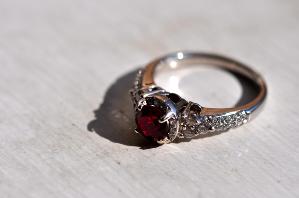 Better Engagement Ring Pictures (1/3)